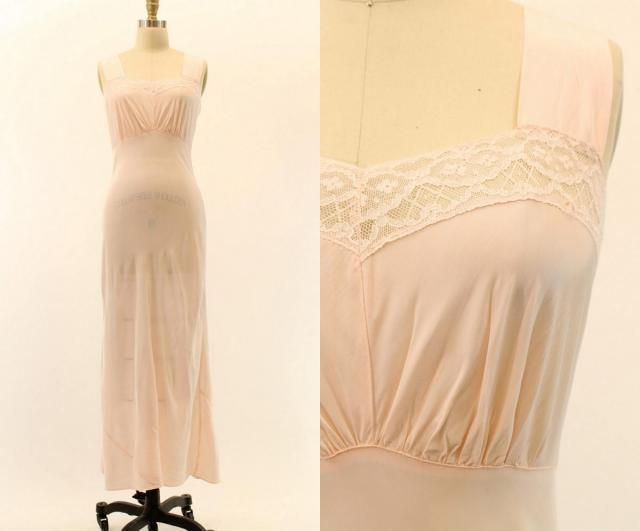 e02477d45963 40s Nightgown Bias Cut Rayon XS / 1940s Vintage Lingerie Slip Sweetheart  Neckline / Pink Pearl