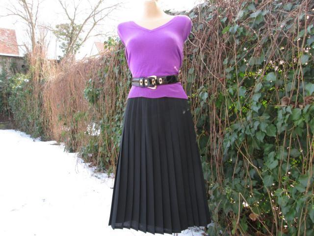 2aa2ddb27 Black Pleated Skirt / Skirt Vintage / Wool / Poly / Black / Bellow Knee /