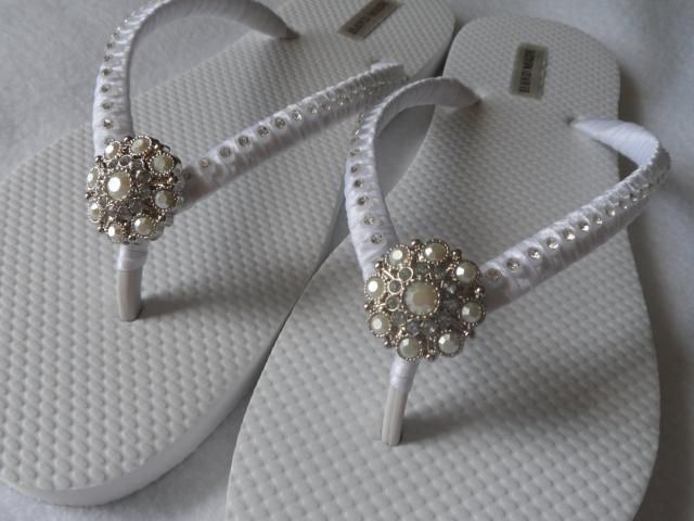 af0896c069c550 White Bridal Flip-Flops   Wedding Colors Flip Flops   Beach Flip Flops    Rhinestones