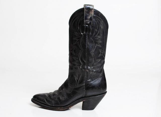872bac4b0add Vintage 70s Black Leather COWBOY BOOTS   1970s Lizard Skin 5.5 35.5