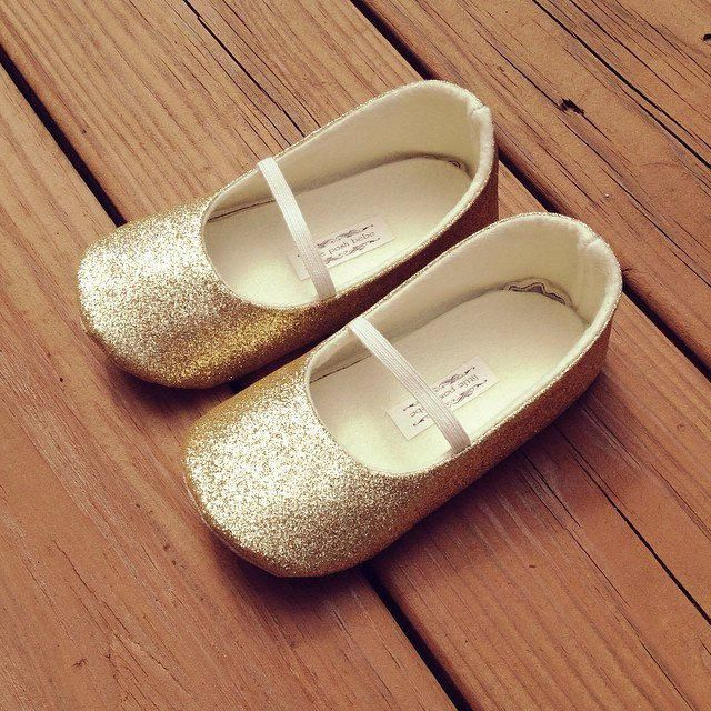 finest selection 1c30d 273ab Girls Glitter Shoes - GOLD Glitter mary-jane - Flower Girl shoes Princess Shoe  Toddler