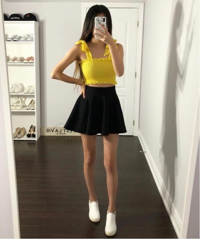 I love wearing yellow outfit to go out especially meet my boyfriend