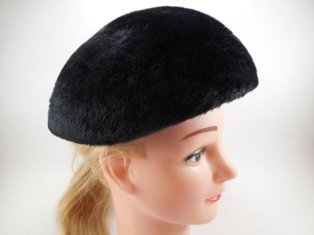 d4b1ded437a Vintage Black Beret Hat by Amy New York Milady Made In The United Kingdom  Imported Body
