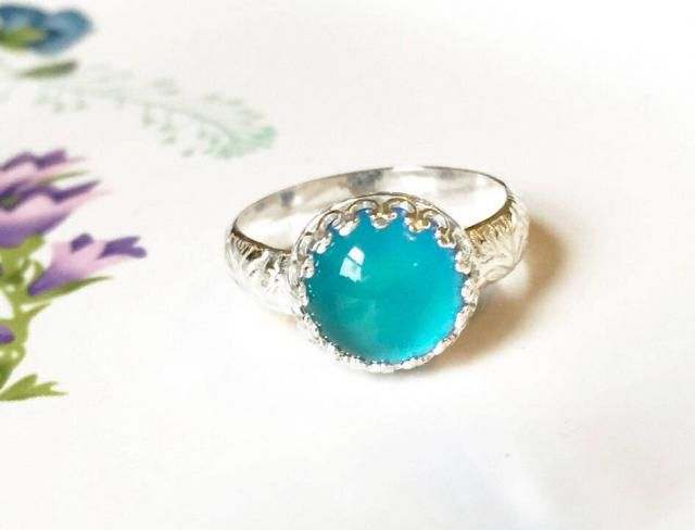 6c8d0aaad Mood Ring with Floral Band, Sterling Silver, Medium Round with Color  Changing Stone
