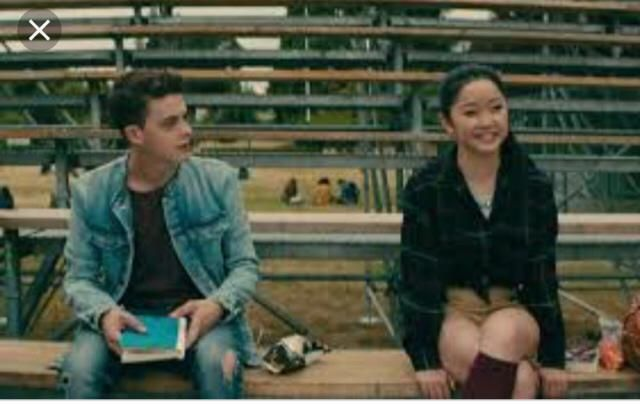 "I've seen ""to all the boys I've loved before"" like a 1000 times and I love everything about it but Lara Jean's outfit…"