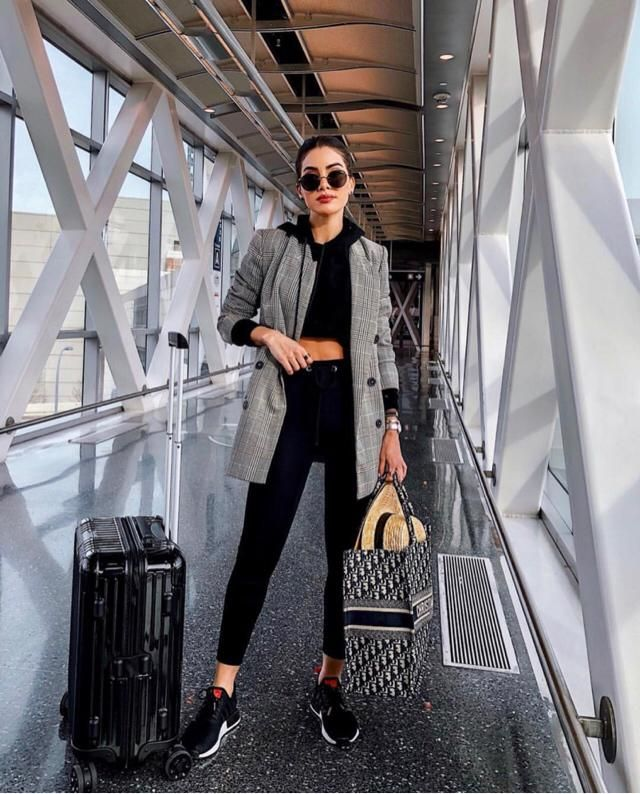 Travel in style and comfort! Buy the look here at Zaful