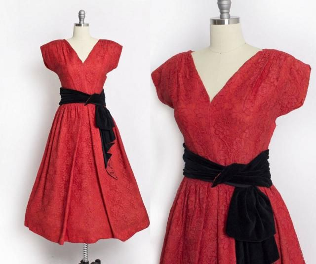 8350ffce11b3 Vintage 1950s Dress - Red Lace Full Skirt Designer Party Prom Cocktail 50s  - Medium
