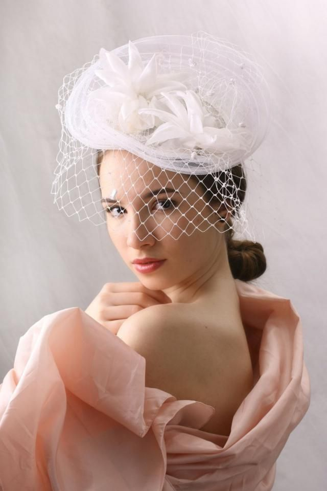 f5796d727798c 2019 Best Fascinator Hat Images And Outfits