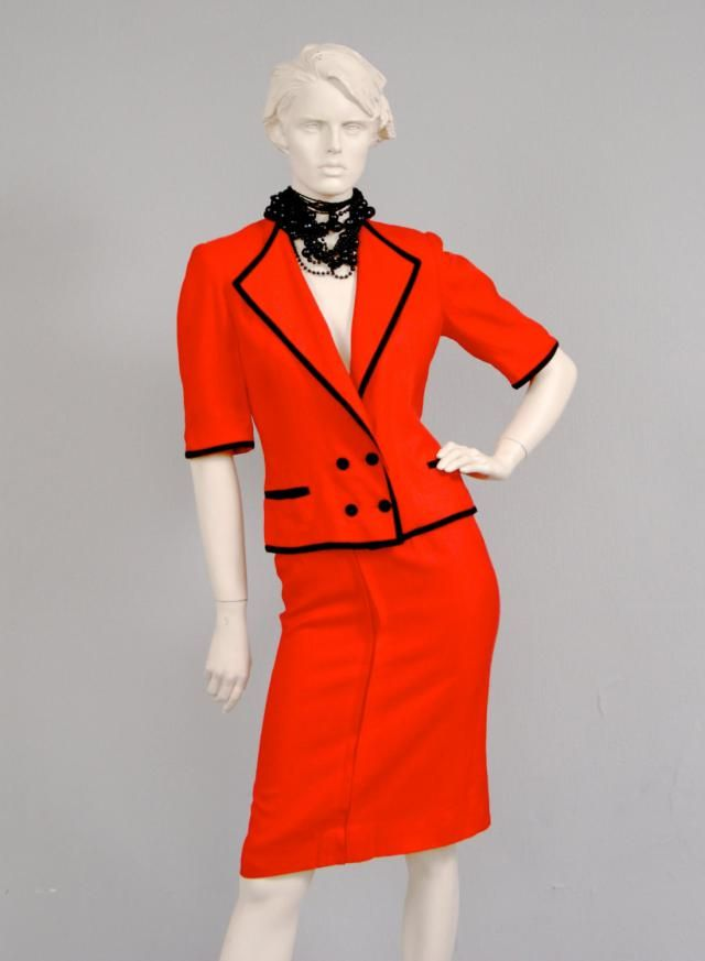 d5b454a56 Vintage 1980s LOUIS FERAUD Tailored Black And Red Monochrome Skirt & ...