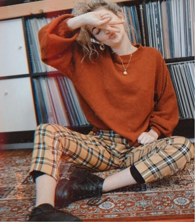 I love dressing up back to 70' fashion especially with plaid pants, it's just so adorable