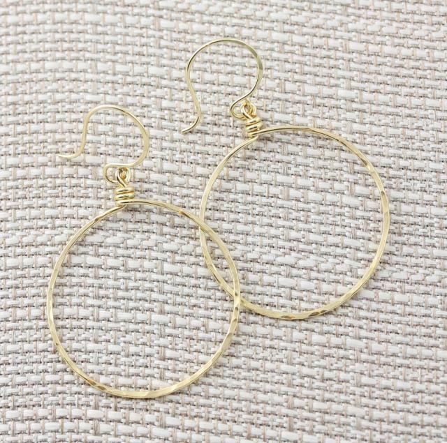 14k gold hoop earring//tiny hoop earrings//Small hoops//yellow gold hoops//round hoo