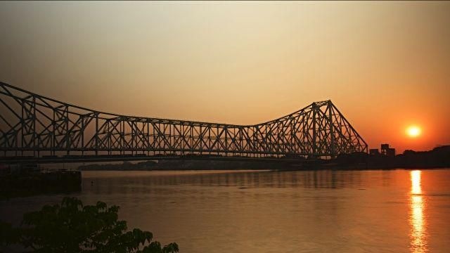 My visit to Howrah bridge is one of the most memorable moment in my life...!!!