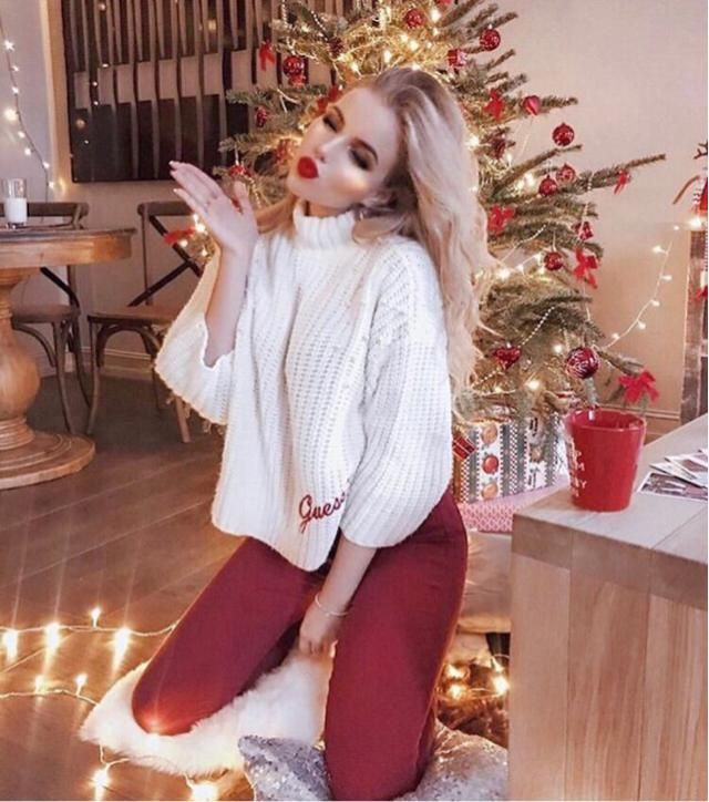 &White01 Hay January, please be nice to me this month, and wear cute white top with red pants