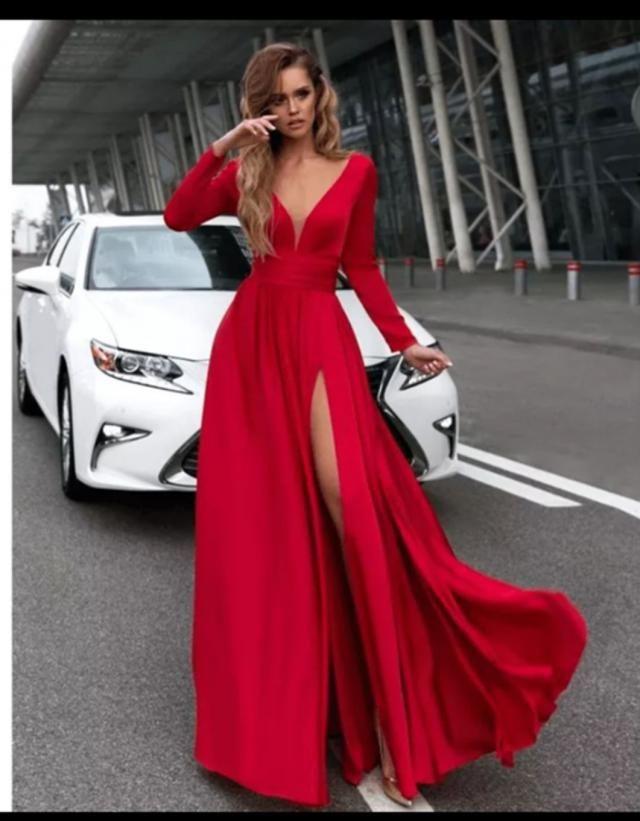 &White01 RED DRESS ft WHITE CAR