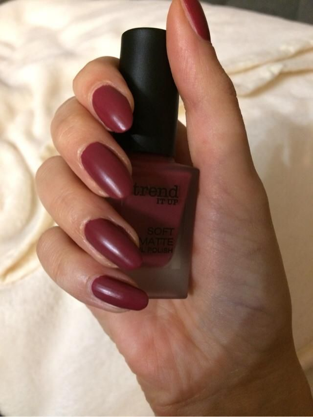 today i bought this nailpolish. i love this colour. what do you think?