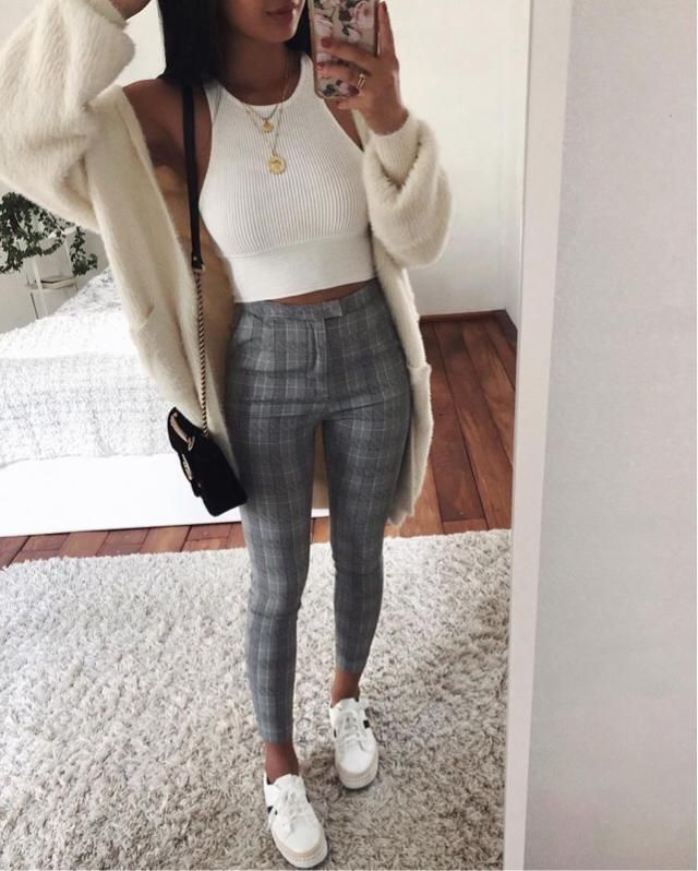 I love this outfit! OMG! The best thing is that you can found a similar outfit here in Zaful and wear it for Valentine'…