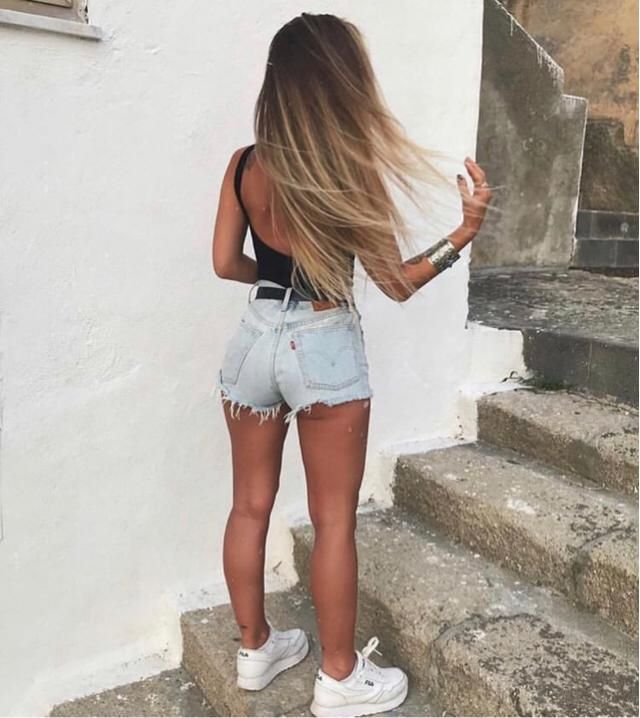 Having the best life with gorgeous hair and outfit