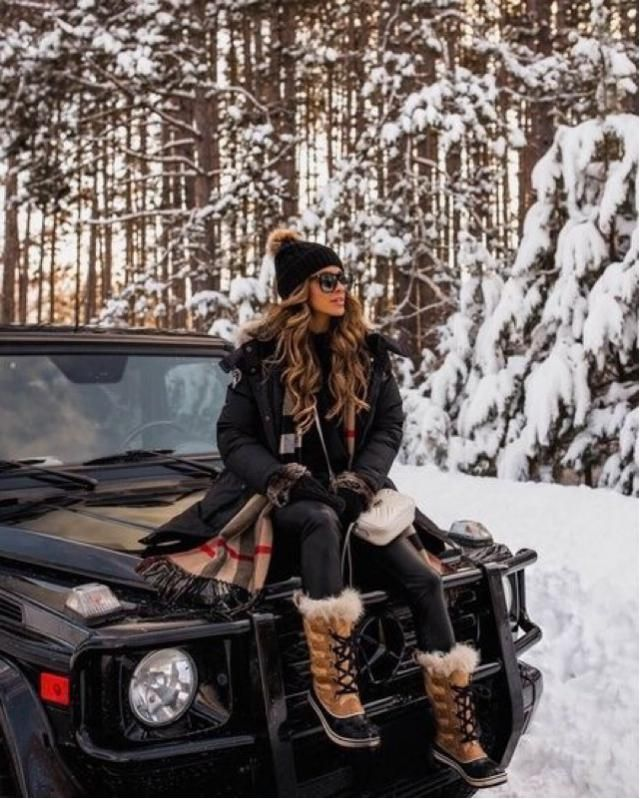 Winter wonderland look to keep you warm and cozy! Buy the look here at Zaful