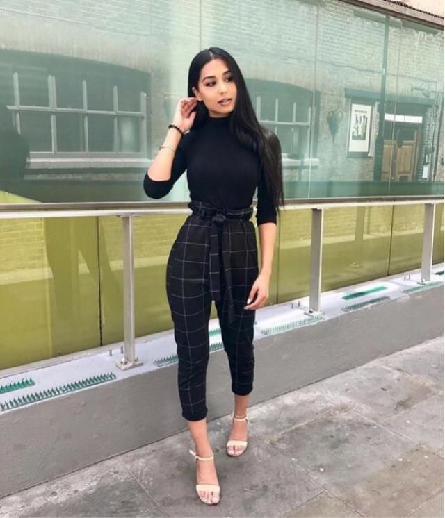 This black outfit is so perfect, you can find a similar one here in Zaful❤️❤️❤️❤️