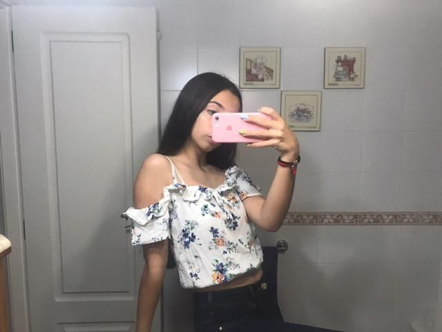 Cute flower top