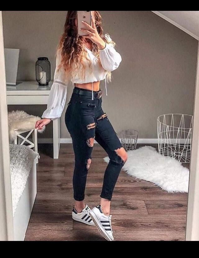 Ripped jeans for sassy girls