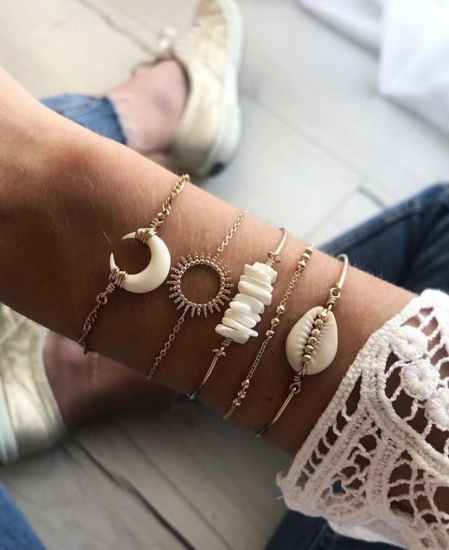 Shell beads bracelets