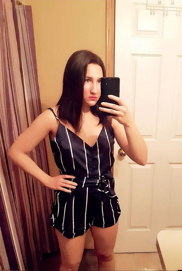 I am 5ft1 and about 115 pounds. This romper fits perfectly! i love how you are able to adjust the length ❤