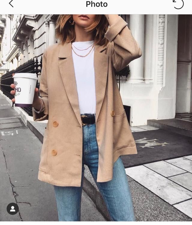 You can find this full outfit here