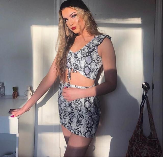 chillin in my zaful snakeskin 2 piece for a night out
