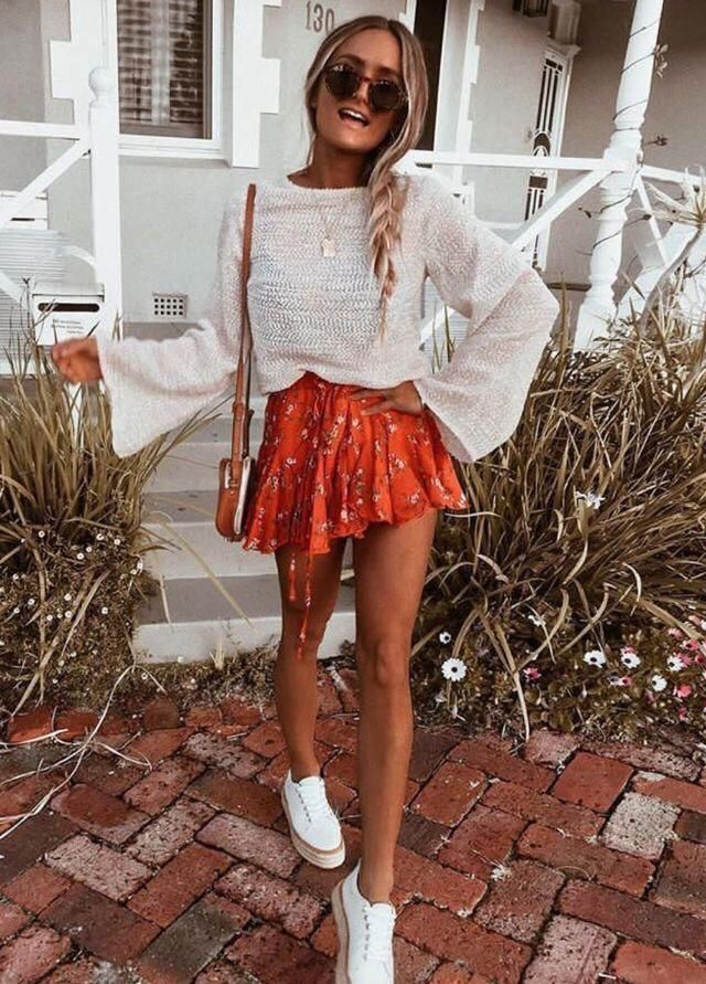 ISNT THE CUTEST OUTFIT?