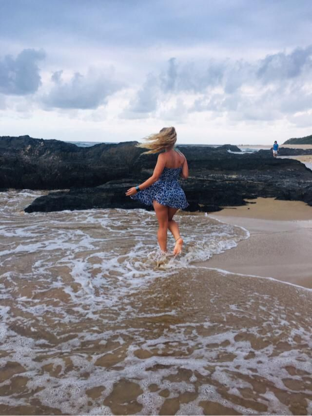 Don't you just love the ocean and free flow dresses☀️