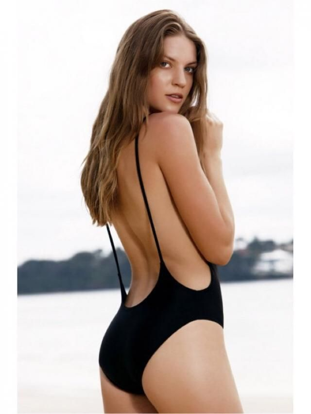 The cute high cut backless swimsuit