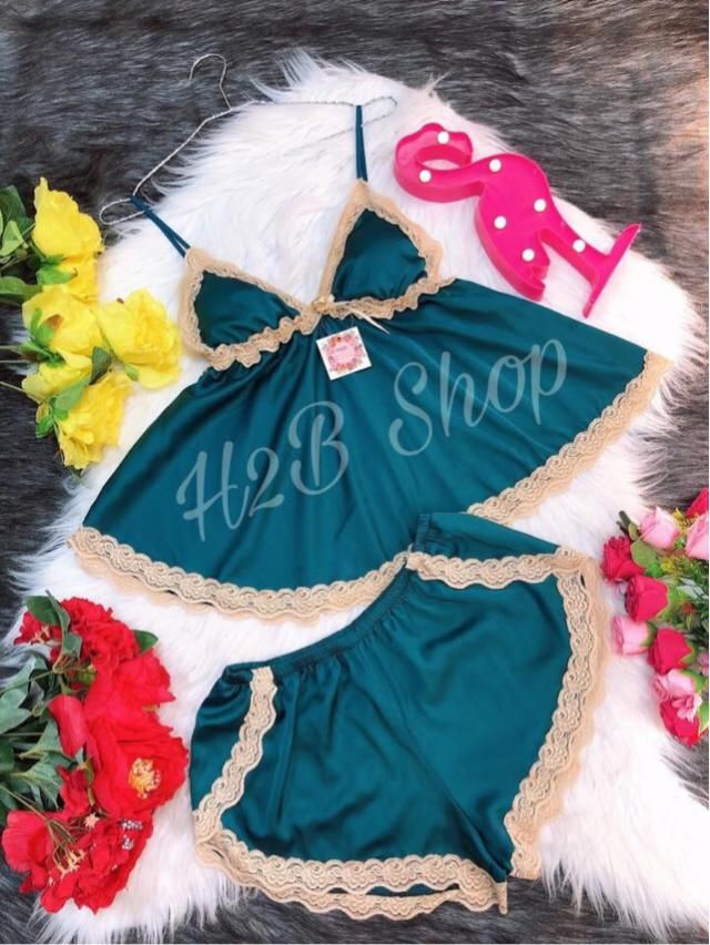 Free size <60kg Material: silk  Real picture taken  Will return if bad quality