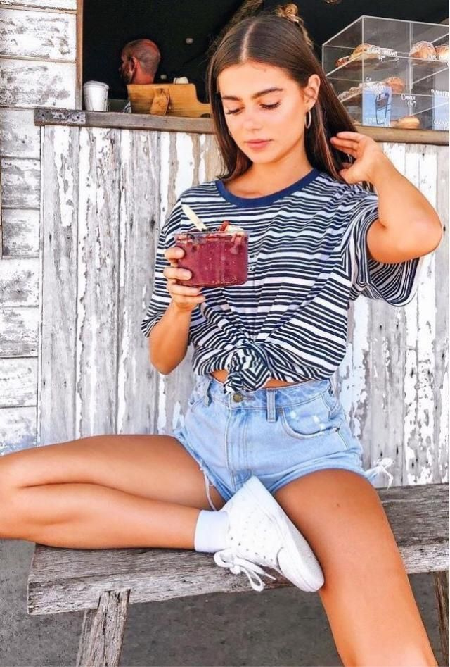 Denim shorts it's definitely a must have!! Do you have a denim shorts like this?? No? Hurry up! It's in sale right n…