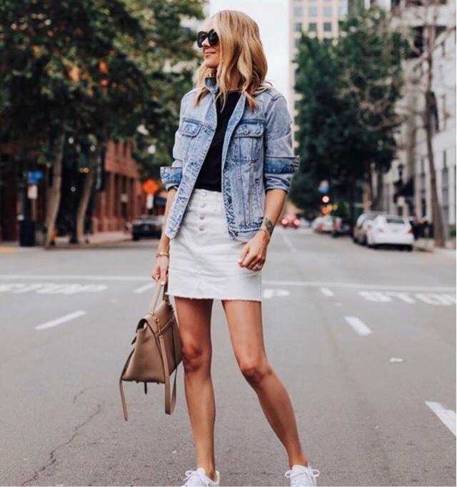 Casual day always end up perfect with denim jacket