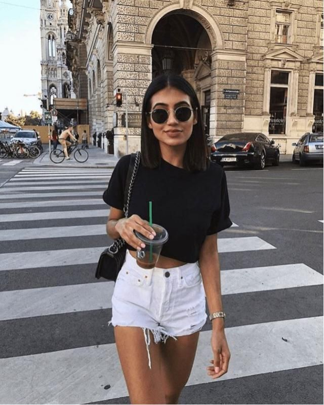 White shorts for a classic look! Perfect to enjoy hot days ❤️❤️❤️❤️❤️