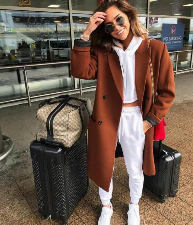You want to be comfy but stay stylish well try this look     #