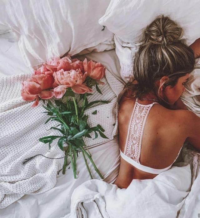 Romantic lingerie set