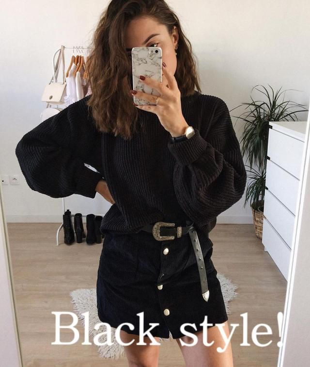 Black style! Women Sporty Style Outfits– Whether you are just out for a simple jog, working out at the gym or i…
