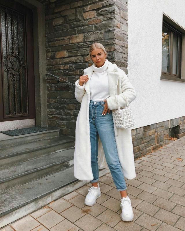 for a casual day out with your friends, pair your white fluffy coat over white turtleneck sweater and denim jeans…