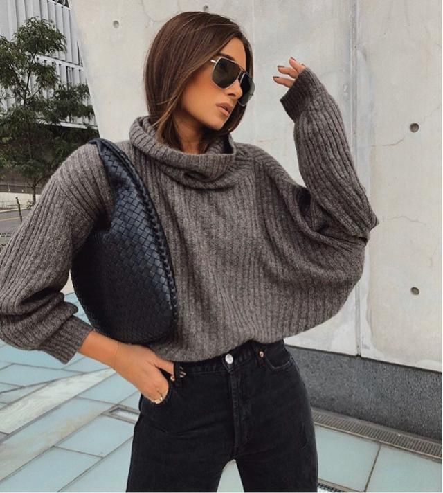 Turtleneck is very flexible and comfortable to wear