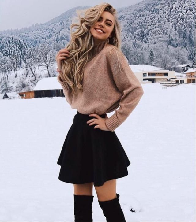 This sweater and this skirt are perfect combination for winter outfit