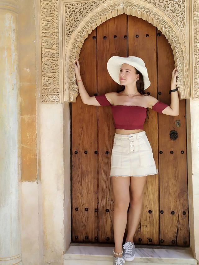 Por la Alhambra de Granada, España.