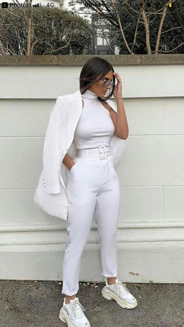 wooow look at this all white outfit it is chic and baddie at the same time