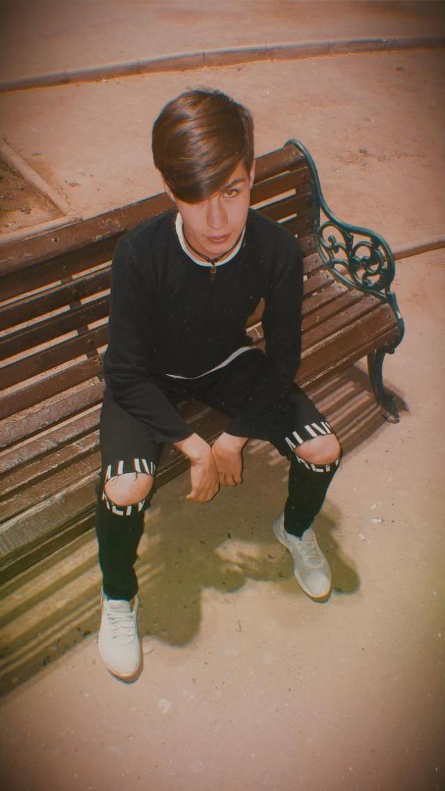 Hola a todos les dejo mi foto con mi outfit espero les guste ❤