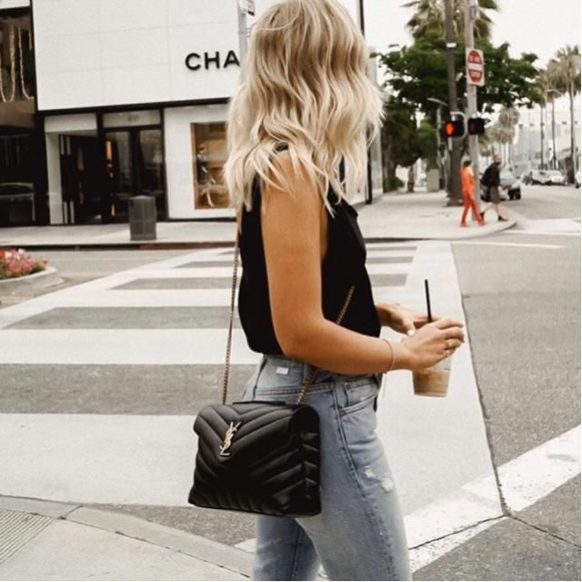 Simple outfit always win your daily life