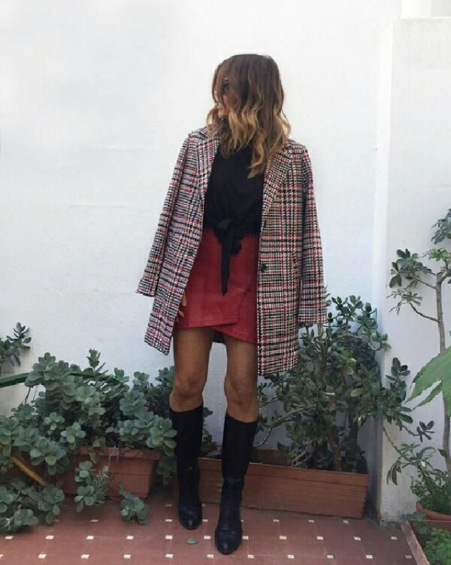 beautiful red faux leather skirt I love this outfit