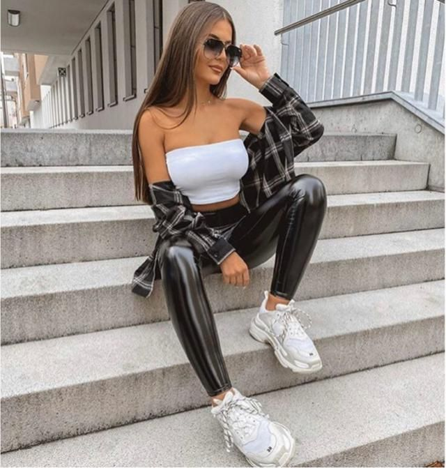 Going out extra is good. The leather pants makes the ootd more luxe