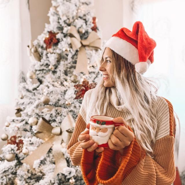 Me encantan las épocas navideñas!  Soy una fan de los jerseys de punto, el que llevo es muy especial por s…