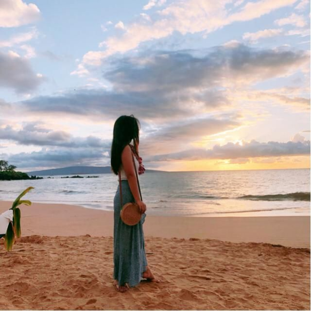 Maxi Maxi dress with floral print is my absolute fav item to pack on vacation! So easy because you don'…